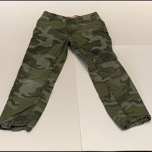 Boys Old Navy Skinny Camouflage pants-size 7